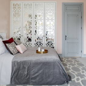 серые двери в квартире идеи интерьер