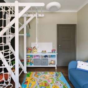 серые двери в квартире варианты