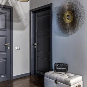 серые двери в квартире дизайн фото