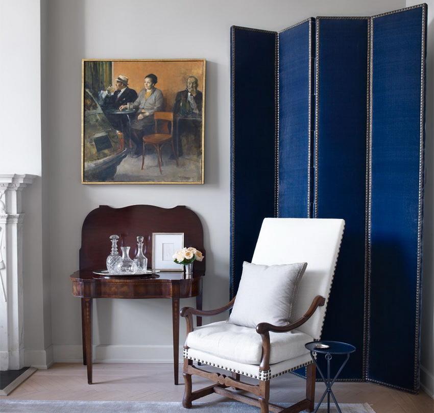 Стильная ширма в гостиной классического стиля