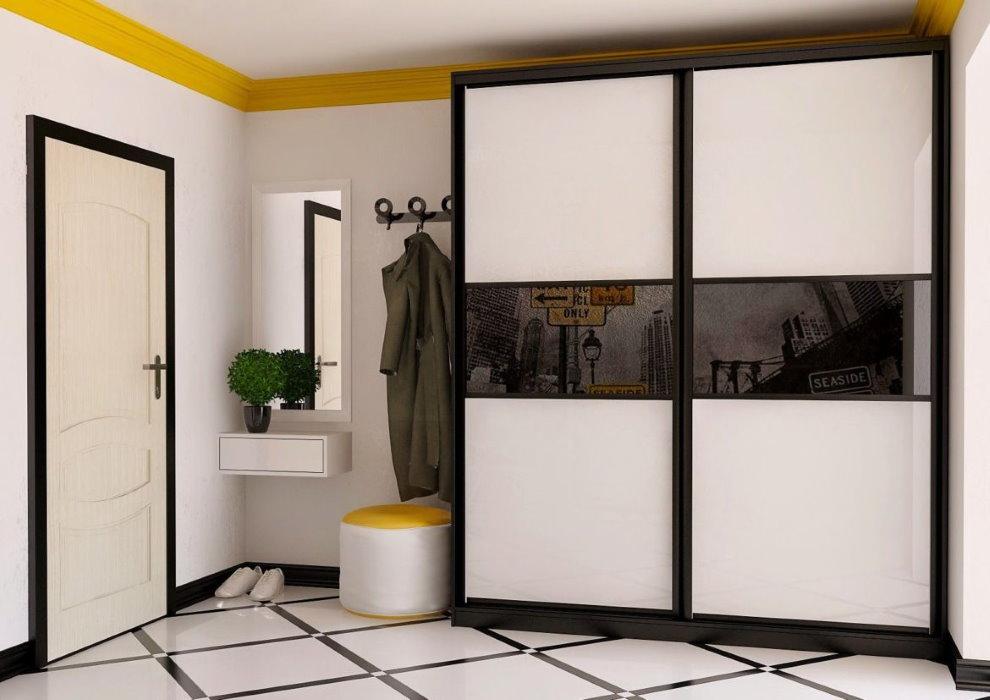 Черно-белый шкаф-купе корпусного типа