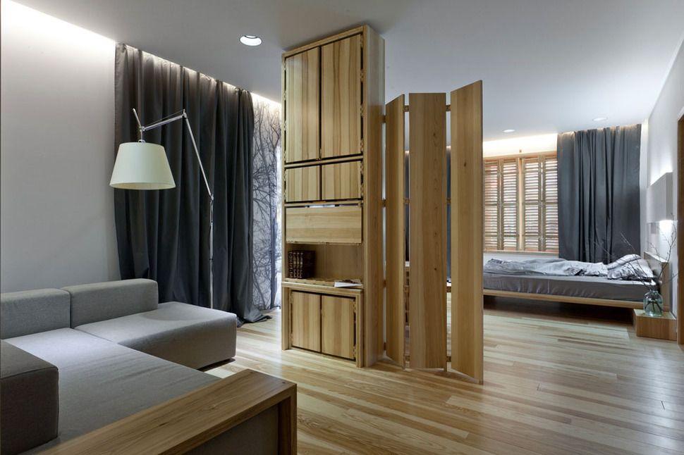 Оригинальная перегородка между комнатами в частном доме