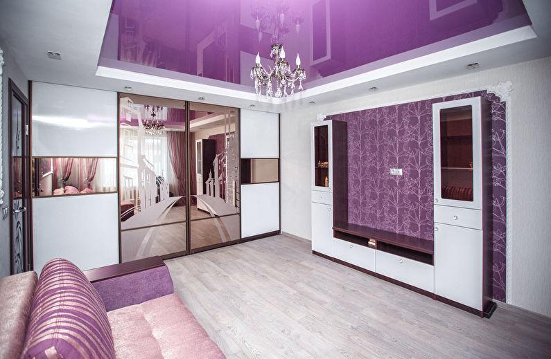 Зеркальный шкаф в гостиной с натяжным потолком