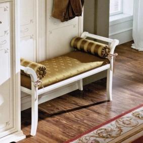 скамейка для прихожей классика