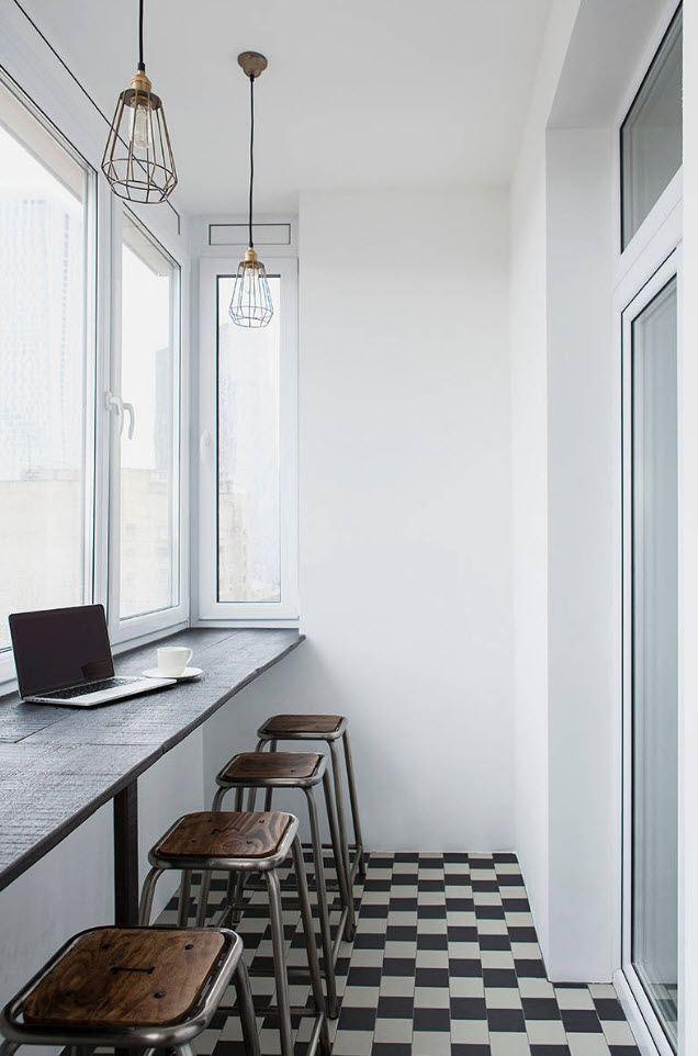 Белый потолок на балконе в скандинавском стиле