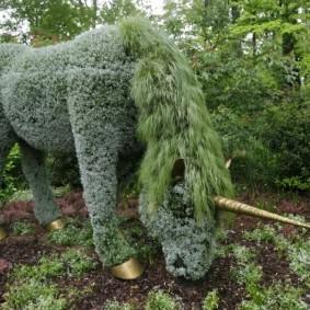 скульптуры для сада растительные