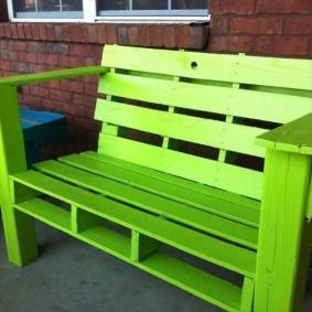 современная садовая скамья зелёная
