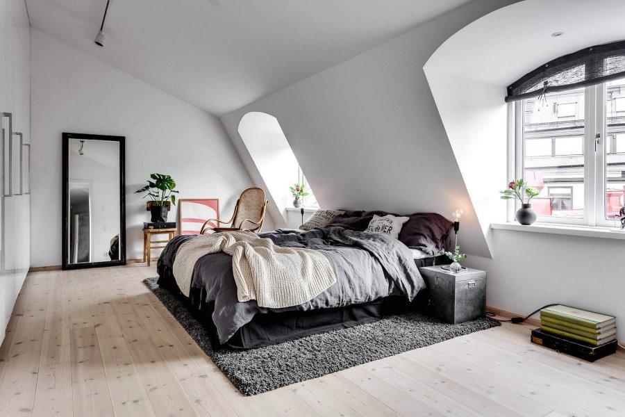 Спальная комната в двухуровневой квартире