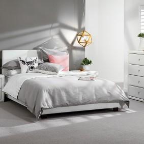 спальня в серо розовых тонах фото интерьера