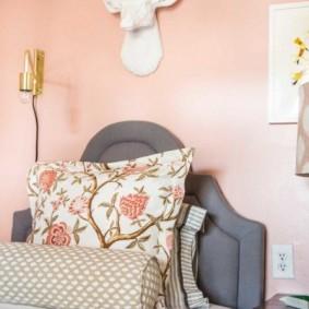 спальня в серо розовых тонах обзор