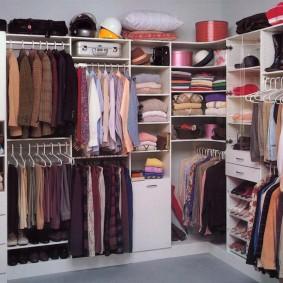 стеллажи для гардеробной комнаты дизайн идеи