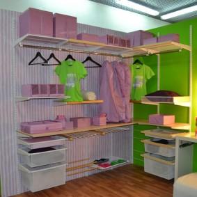 стеллажи для гардеробной комнаты декор фото