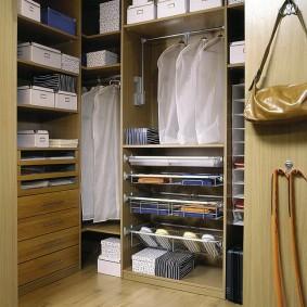 стеллажи для гардеробной комнаты идеи декора
