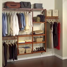 стеллажи для гардеробной комнаты оформление фото