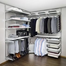 стеллажи для гардеробной комнаты фото оформления