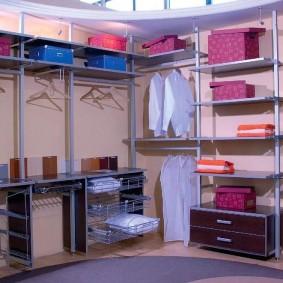 стеллажи для гардеробной комнаты идеи оформления