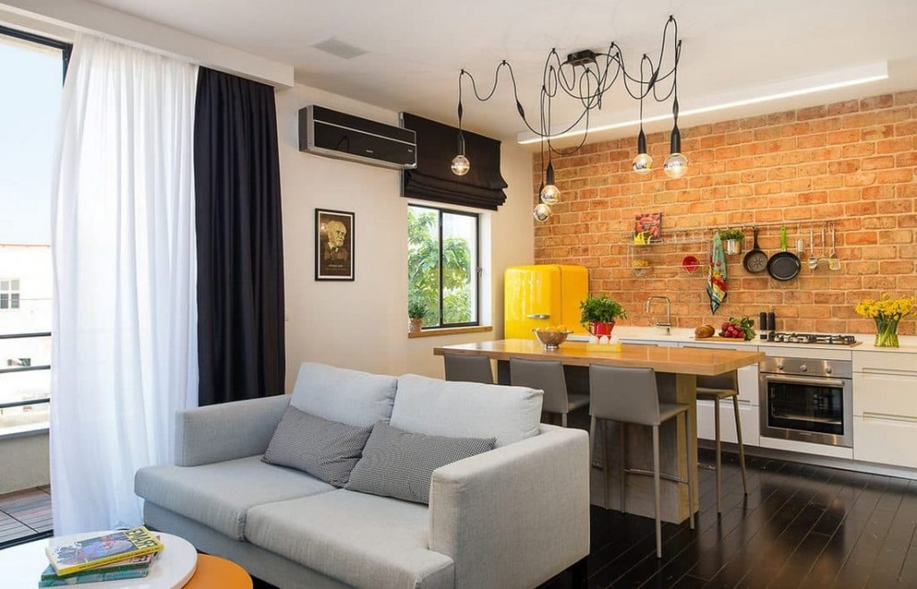 Кирпич в интерьере небольшой квартиры