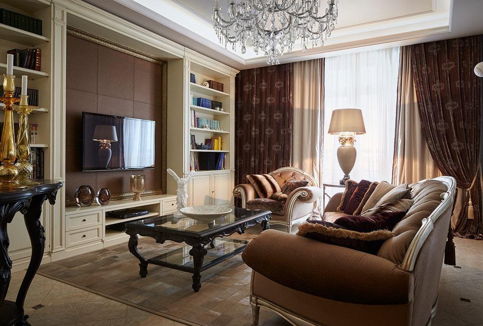Неоклассическая мебель в гостиной трехкомнатной квартиры