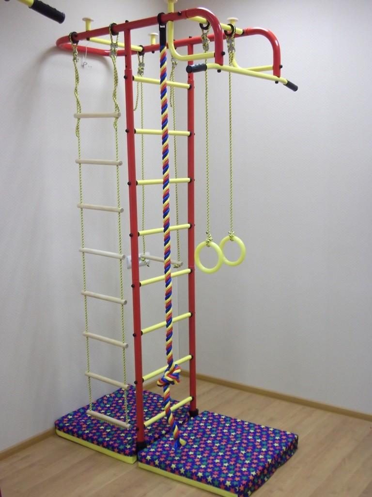 Т-образная спортивная стенка для ребенка школьного возраста