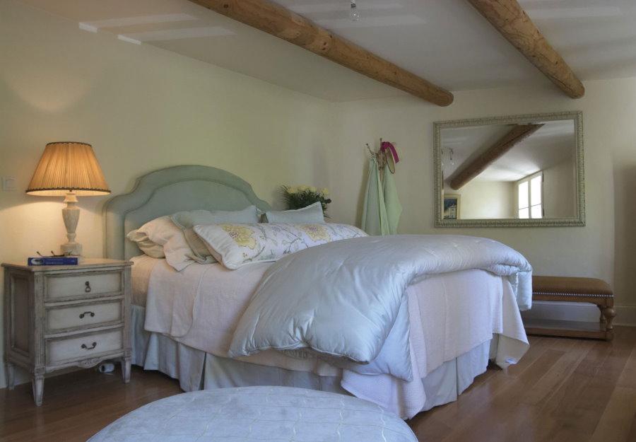 Прикроватный светильник для спальни в стиле прованс