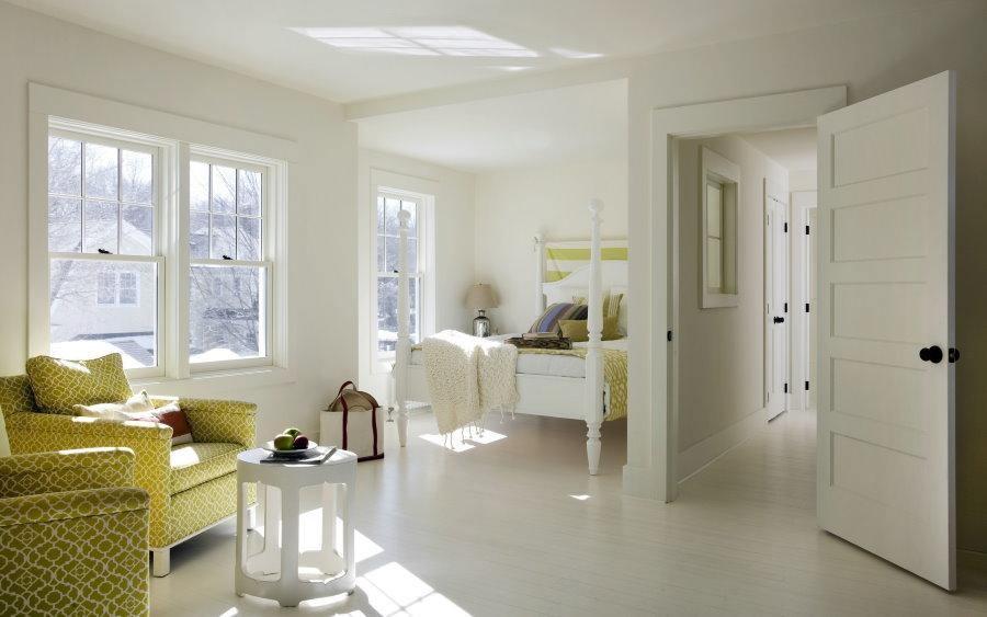 Белые стены в квартире свободной планировки