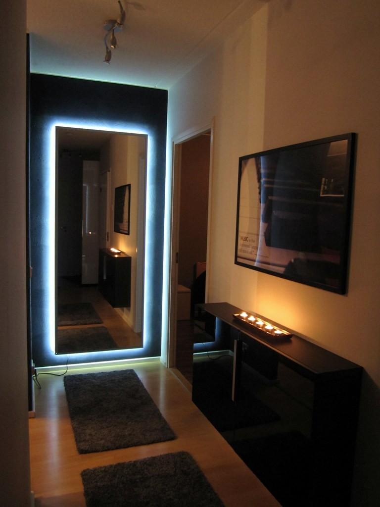 Подсветка зеркала в прихожей светодиодами
