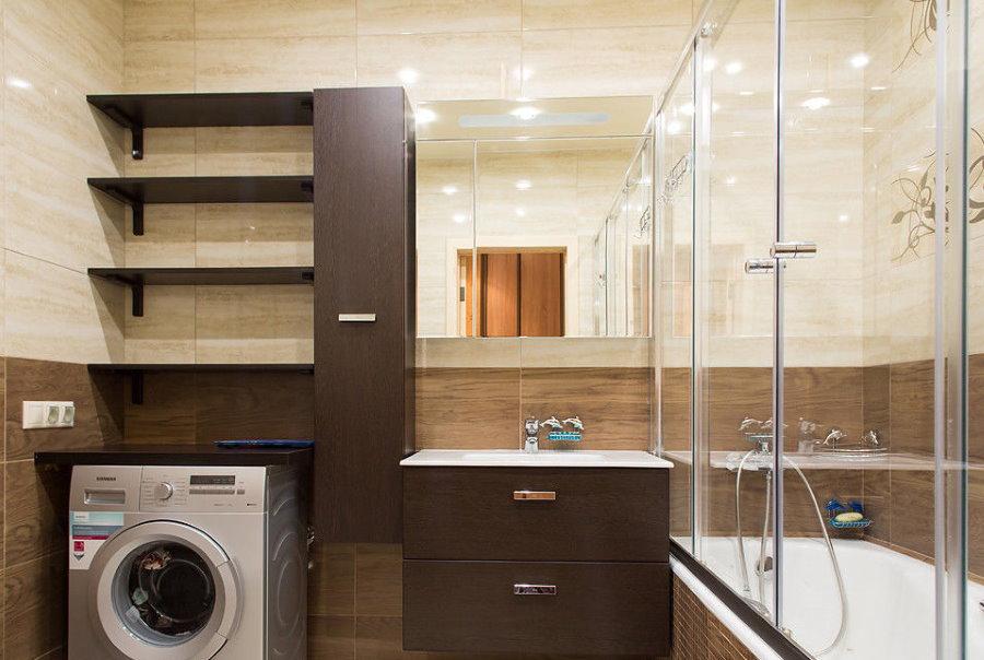Стиральная машина в ванной комнате площадью 5,5 кв м