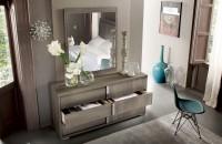 тумба с зеркалом в прихожей виды декора