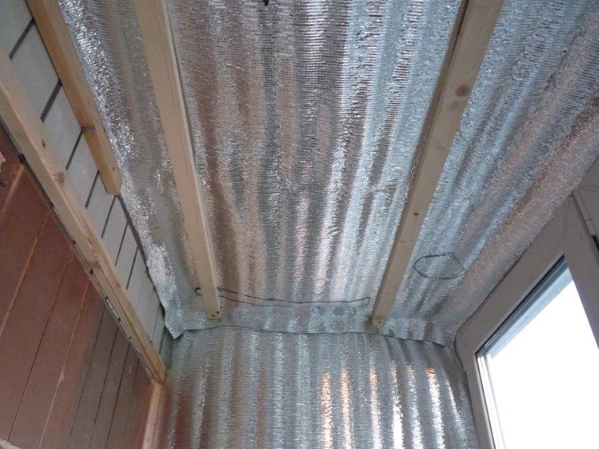 Утепление потолка балкона пенофолом