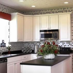виниловые обои в интерьере кухни