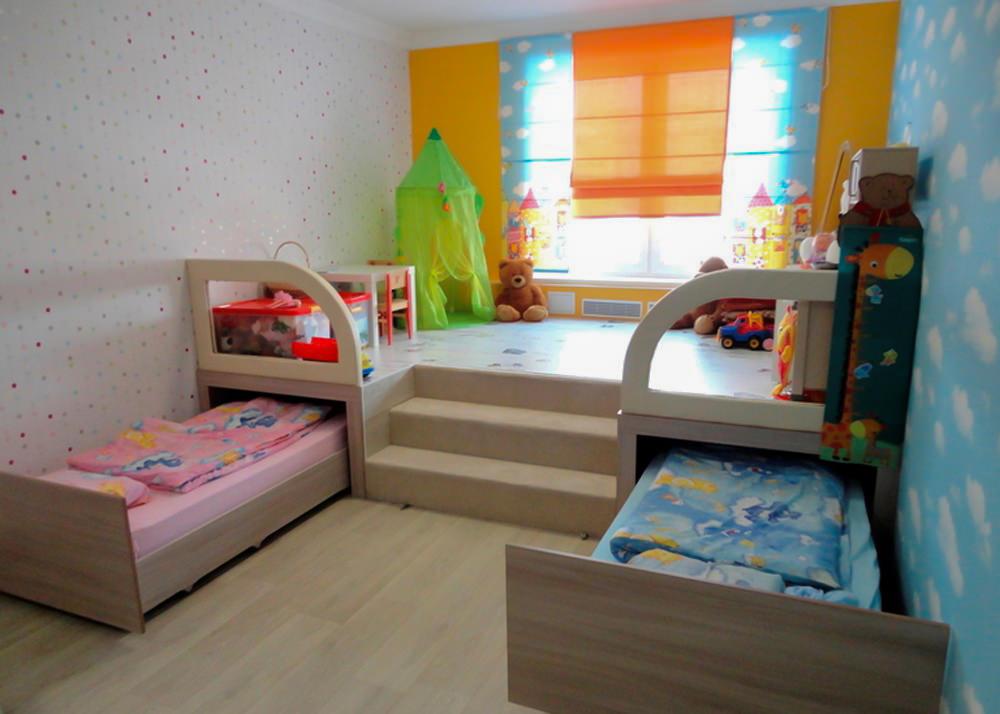 Выдвижные кровати в спальне разнополых детей