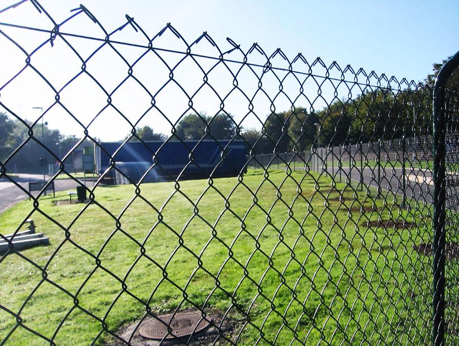 забор из сетки фото