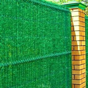 забор из сетки на даче виды фото