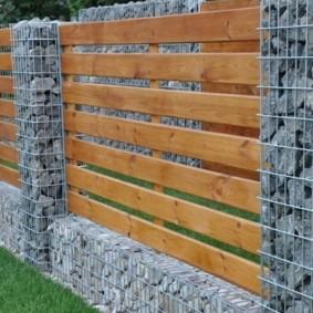 забор из сетки на даче фото дизайна
