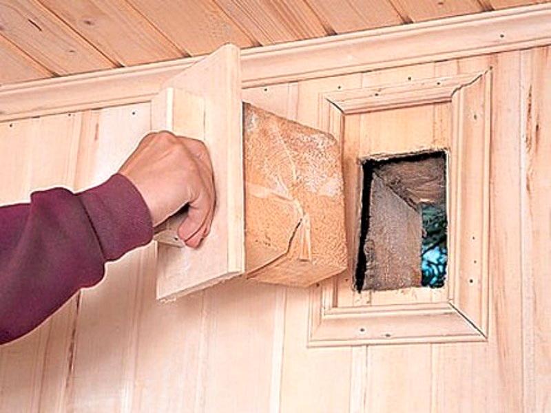 Заглушка для вентиляции в мини-сауне на балконе