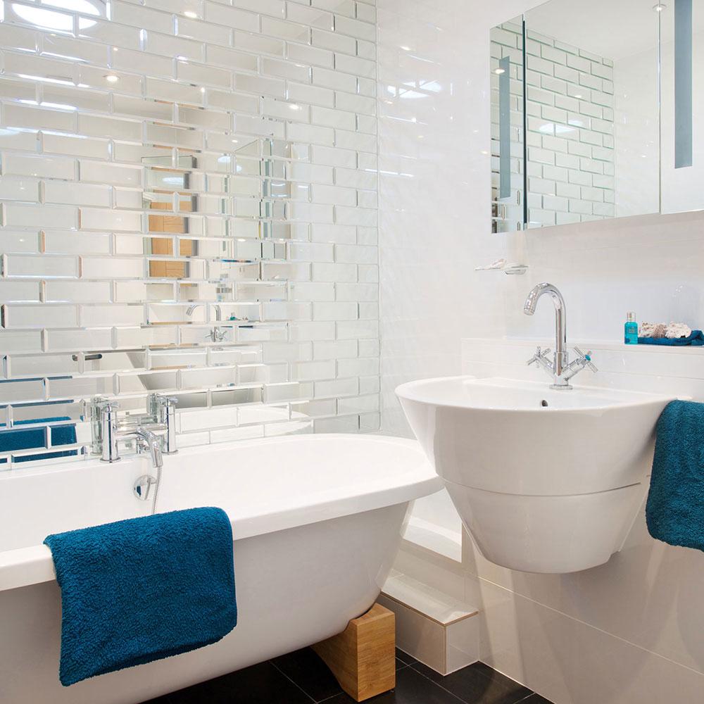 Зеркальная плитка кабанчик в ванной современного стиля