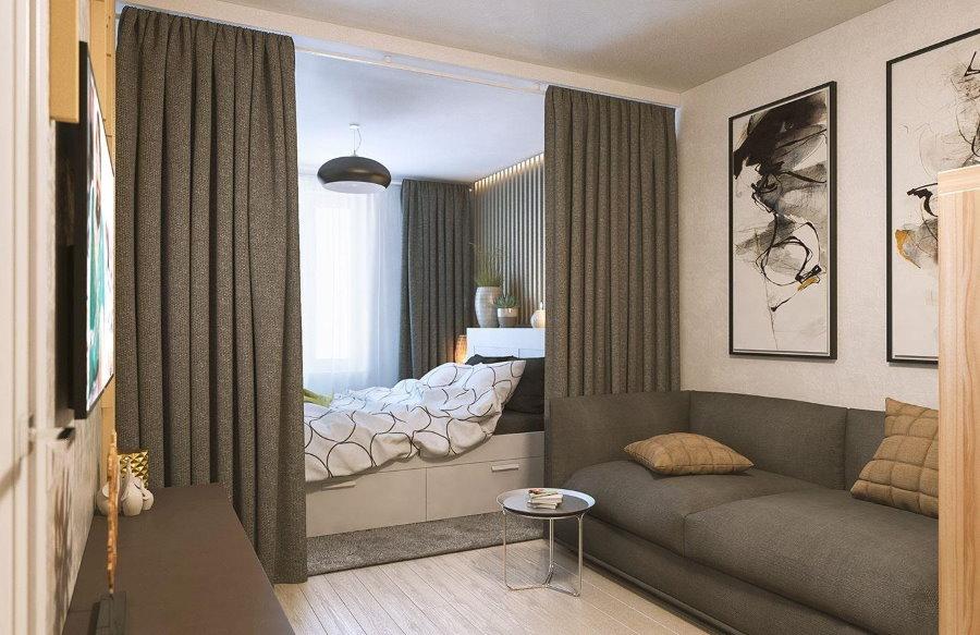 Спальная зона за шторами в хрущевке панельного дома