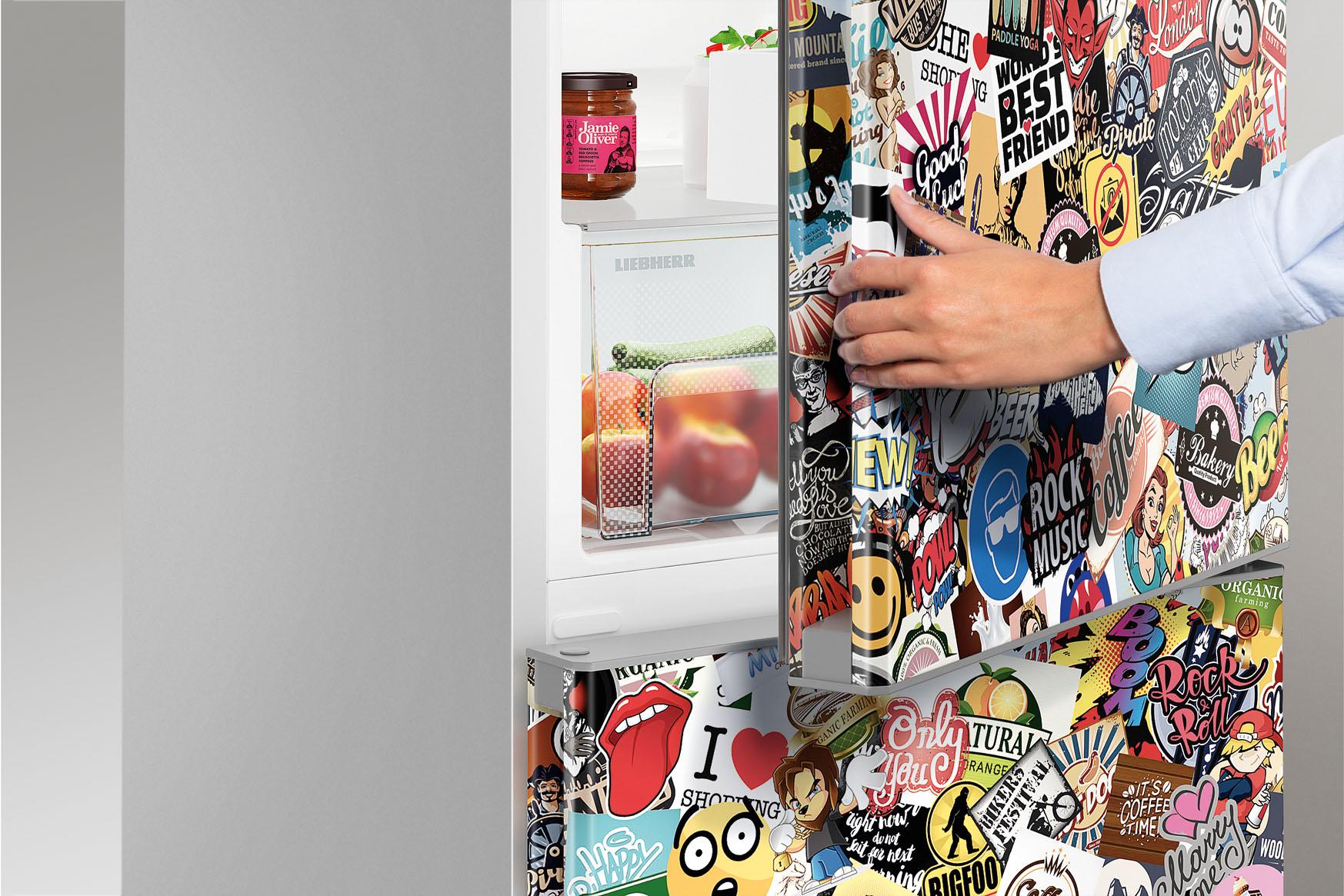 холодильник в прихожей стикер арт