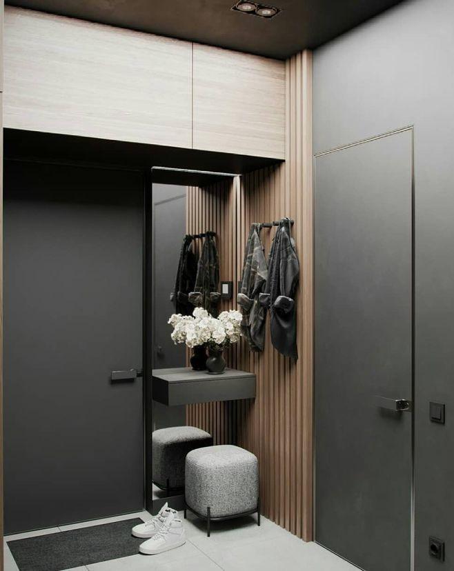 Встроенный шкаф над дверью в коридоре