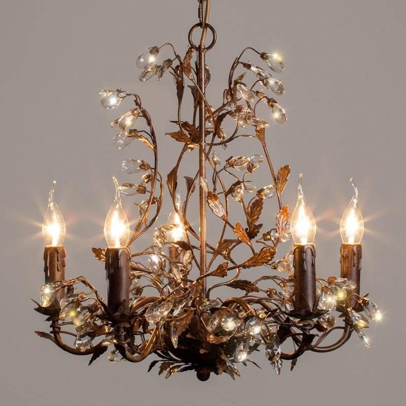 Люстра со свечами для прихожей в стиле модерн