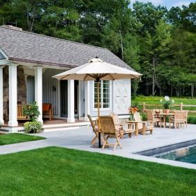 бассейн в саду на даче фото оформление