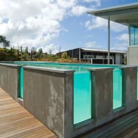 бассейн в саду на даче варианты