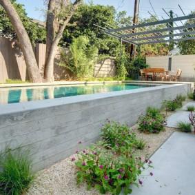 бассейн в саду на даче фото варианты