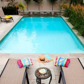 бассейн в саду на даче фото вариантов