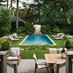 бассейн в саду на даче идеи вариантов