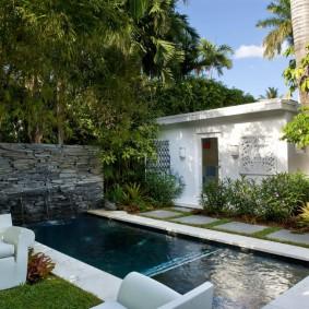 бассейн в саду на даче виды фото