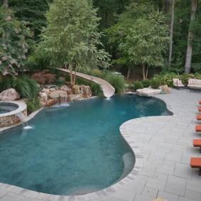 бассейн в саду на даче виды идеи