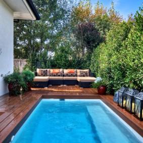 бассейн в саду на даче виды декора