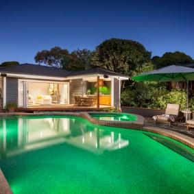 бассейн в саду на даче фото дизайн
