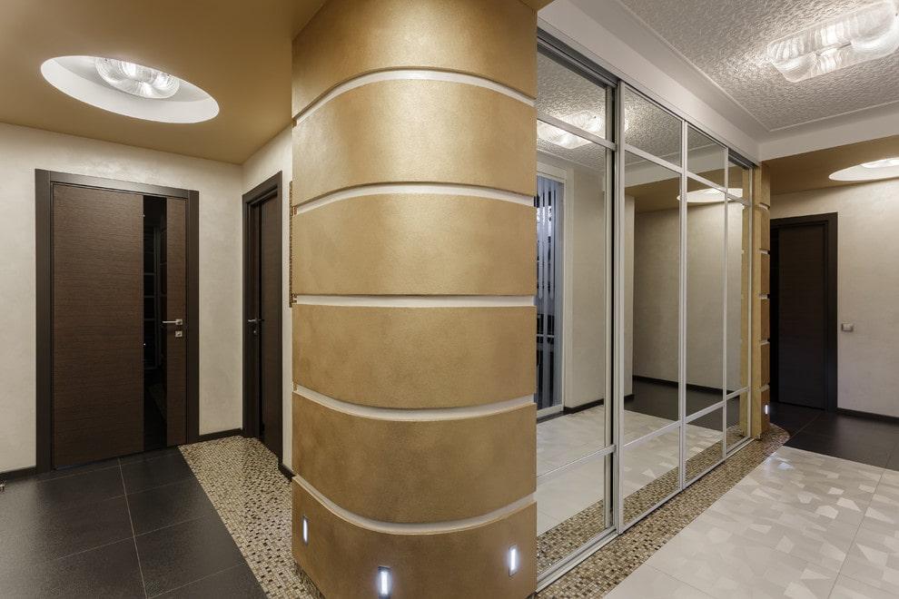 Встроенный шкаф с зеркалами на раздвижных створках